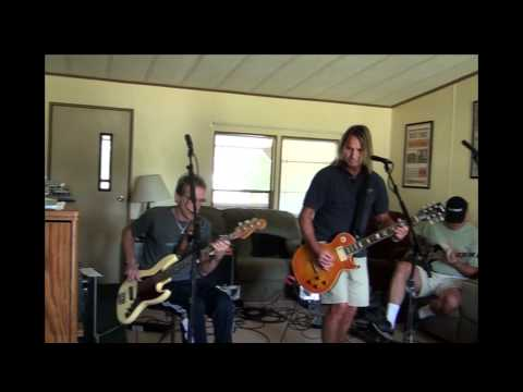 Foghat Rehearsals 8/2010-Rollin'&Tumblin'/You Need Love.mp4