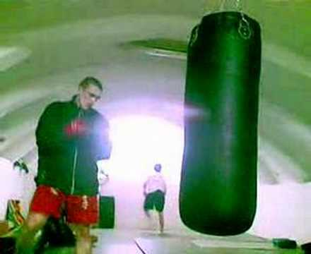 kyokushin training-boxing bag Image 1
