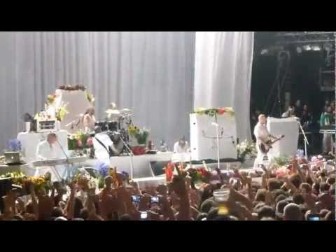 Faith No More - Brixton 2012 - 01 - Woodpecker From Mars/Delilah&Midlife Crisis (Multi Cam)