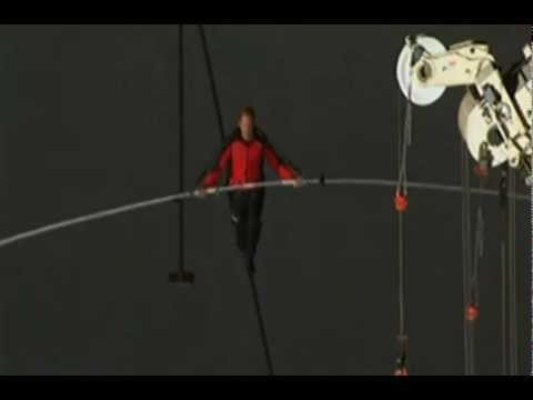 Nick Wallenda WALKS ACROSS Niagara Falls - Man Walks Across Niagrara Falls - [Amazing Finish!]