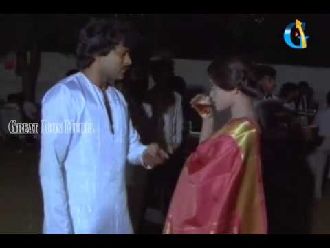 Chiranjeevi Birth Day Scene 1980's - Chiranjeevi,silk Smitha - Paripoyina Khaideelu Movie video