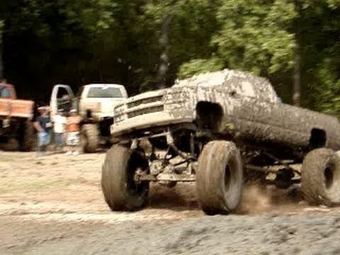 4x4 Mud Truck Pictures 4x4 Mud Truck Stuck Deep