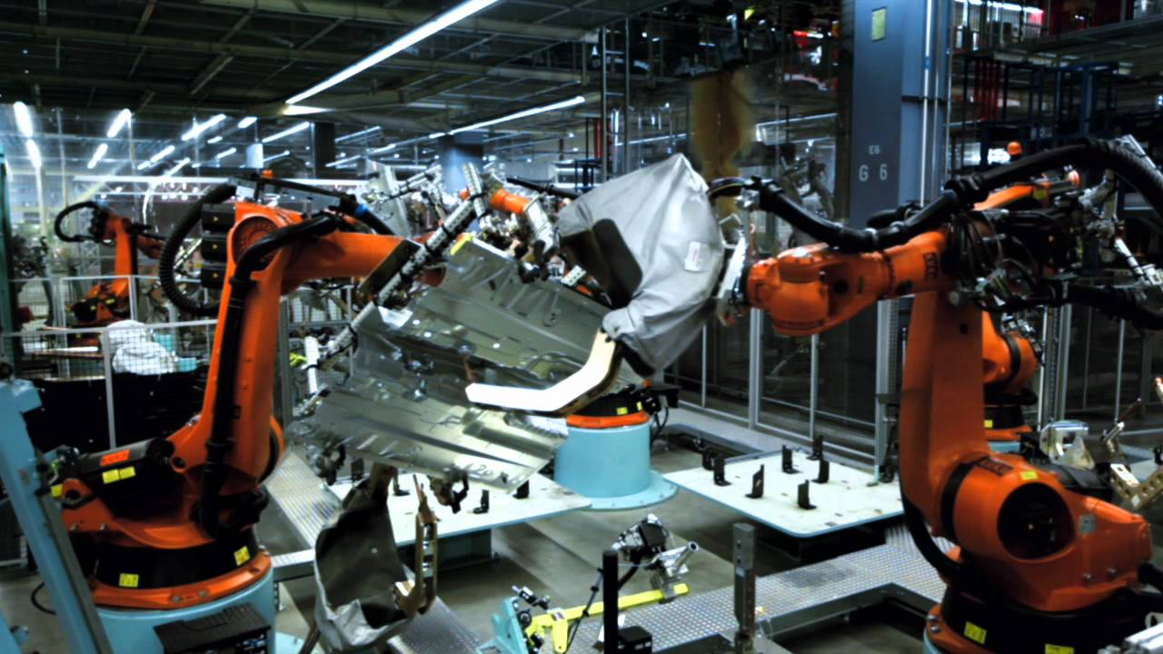 Notcot mercedes benz bremen factory welcome video youtube for Mercedes benz usa factory
