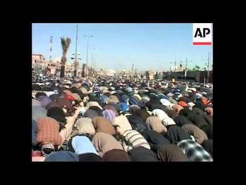 Muqtada al-Sadr extends Mahdi Army ceasefire, cartoon protest