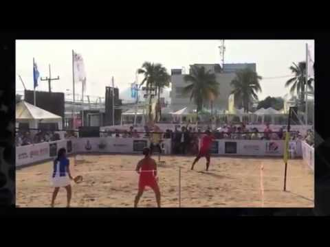2014 Tennis Tournament Serena and Azarenka play beach tennis #SerenaWilliams