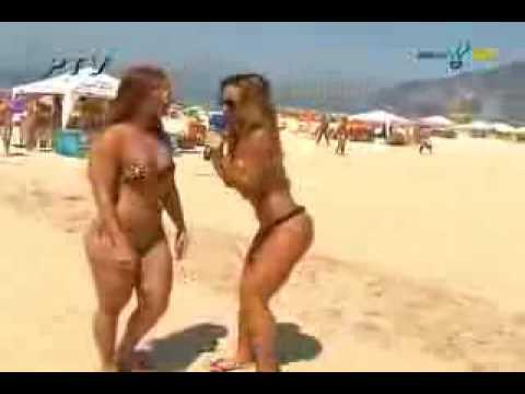 Viviane Araujo: Entrevista na praia