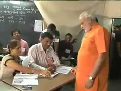 Narendra Modi casts vote ifor 2012 Gujarat Assembly Elections 2012