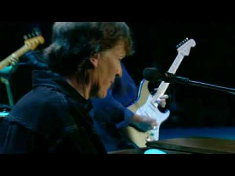 Eric Clapton and Steve Winwood double trouble live.