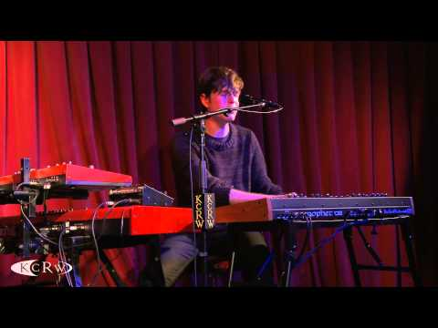 "James Blake performing ""Retrograde"" Live on KCRW"