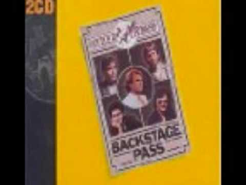 Little River Band - Middle Man