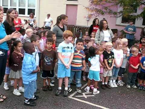 Columbus Montessori Education Center Sings for Peace - 09/21/2009