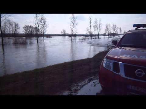 Zvýšená hladina rieky nitra a malá nitra pri šuranoch, apríl