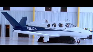 Flying lifestyle in a Cirrus SR22