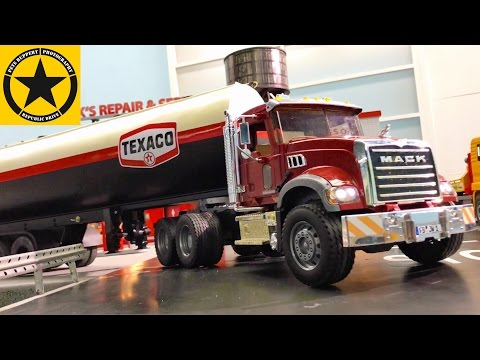 BRUDER TRUCKS Jeeps and BRUDER TRACTORS Crash Episode 21   BIG BANG