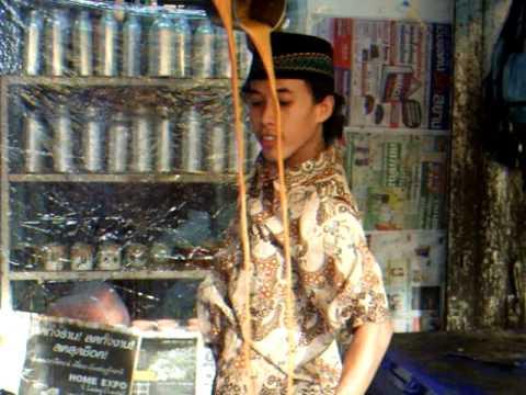 Thai tea show in Chatuchak Weekend Market
