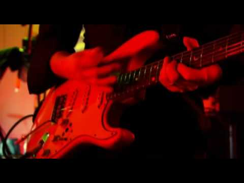 Lily Allen - Dance Wiv Me (live)