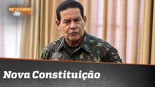 Vice de Bolsonaro, general Mourão quer nova Constituição