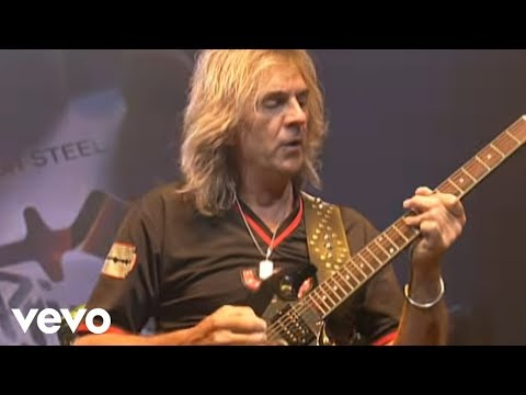 Judas Priest - Living After Midnight (Live @ Seminole Hard Rock Arena)