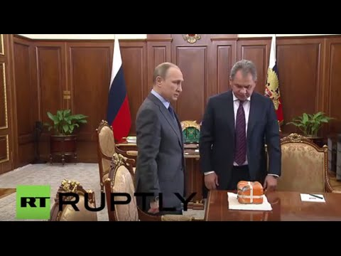 Russia: Shoigu hands over flight recorder from downed SU-24 to Putin