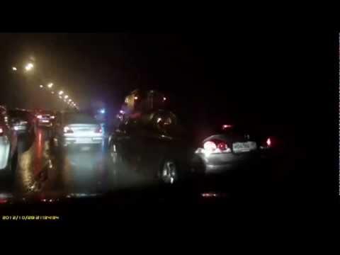 Машины провалились под МКАД. ДТП с 17 автомобилями