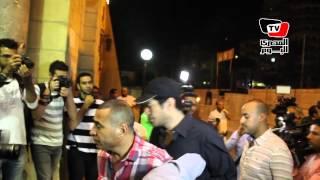 توافد الفنانين على مسجد عمرو بن العاص لتشييع جثمان خالد صالح