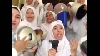 Jilbab putih KEPIK