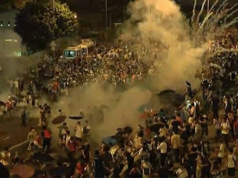 Raw: Police Use Tear Gas on Hong Kong Protesters