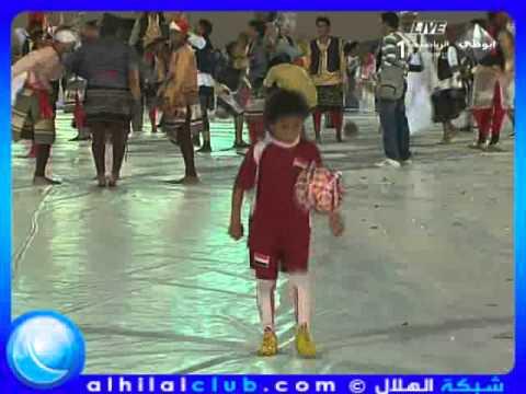 لقطات للطفل اليمني الموهوب في حفل خليجي 20