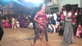 Les hommes dansent mieux le sabar que les femmes
