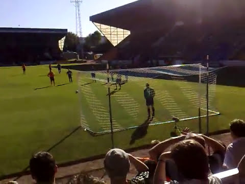 26/9/09 - Cadamarteri scoring the first goal for United Vs St Johnstone at perth in our 3-2 win.