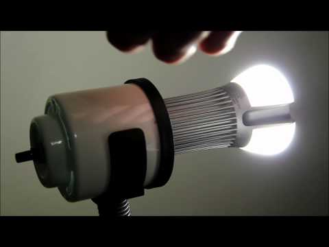 Philips Ambient 75 Watt Equivalent LED Bulb Review - Demo & Temperature Measurement