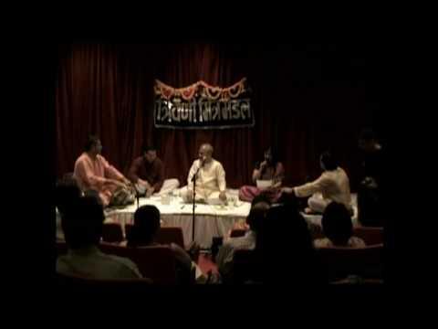 Ek shahenshah - Aparna Gadgil and Ajay Ponkshe