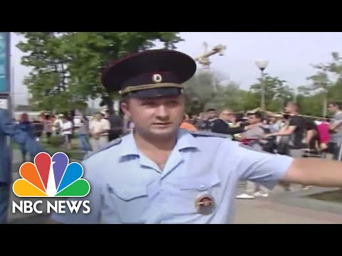 Moscow Subway Derails: Raw Footage | NBC News