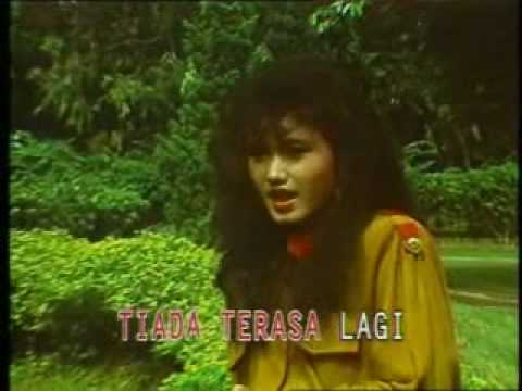 More Hot Pictures from Dangdut Epi Tamala Free Mp4 Video Download