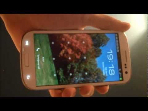 Showing my Samsung Galaxy S3 two months after replacing its broken screen