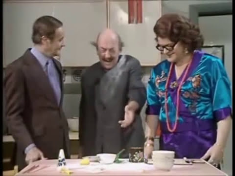 How To Cook Chinese (benny Hill) video