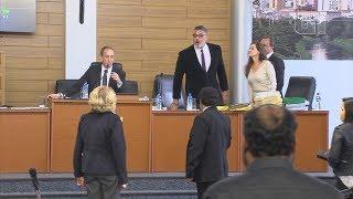 Frota manda vereadores calarem a boca e causa confusão na Câmara