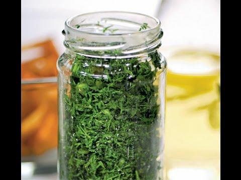 Заготовки на зиму. Замороженная зелень (укроп, петрушка, лук)