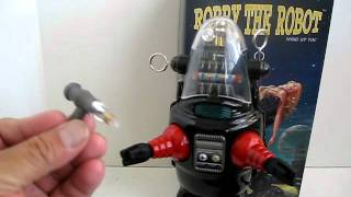Robby the Robot windup toy reproduction.AVI