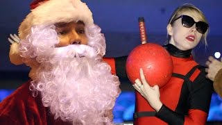 Cosplay Christmas Bowling Party!