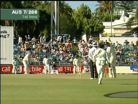 Justin Langer 197 vs Pakistan 2004 Perth