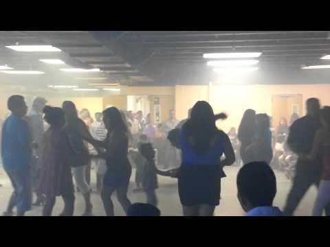 Chicas Sexis Bailando Cumbia 2013