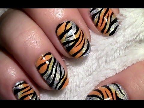 holo tiger muster nageldesign mit nagellack f r kurze. Black Bedroom Furniture Sets. Home Design Ideas