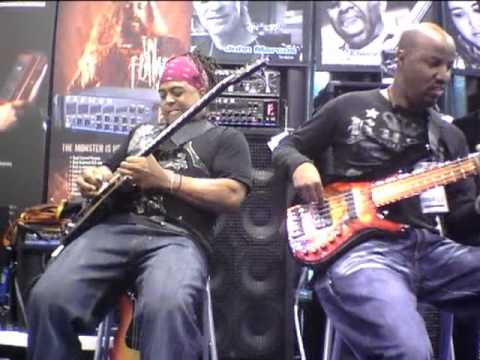Kevin Walker feat Mike Scott - EBS Demo at NAMM, prt 2