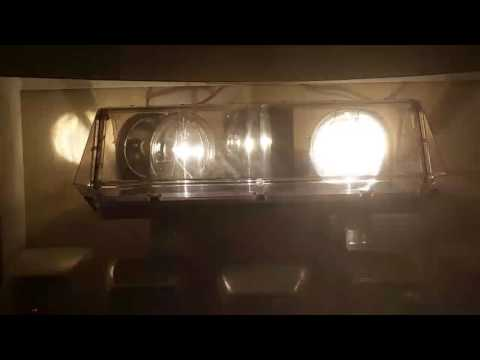 Sealed beam Code 3 Mini XL 9000 lightbar in operation