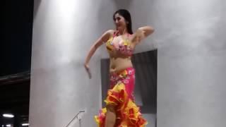 সিঙ্গাপুরে ইরানি মেয়ের বেলী ড্যান্স(Dance)
