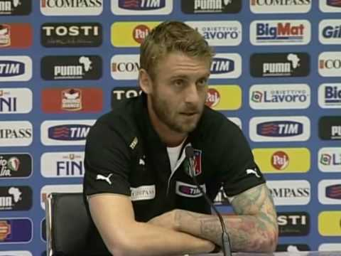 FIFA World Cup 2010 - De Rossi interview - Italy struggle to score goals