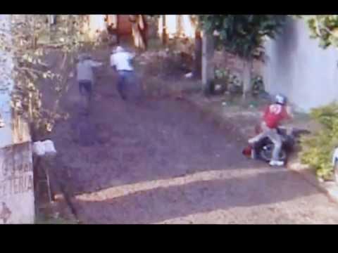 Polícia divulga vídeo com flagrante de homicídio