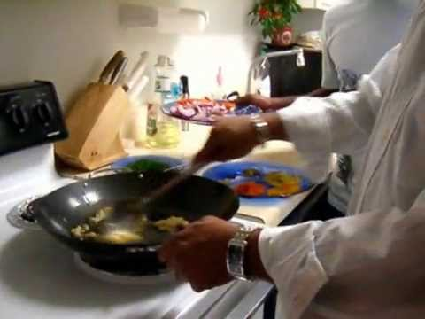 Indian Chicken Curry Videos by Indian Cookery Video Podcast. How to cook Indian food.