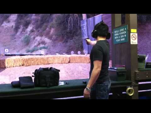 One Handed Speed Shooting Challenge Glock 19 (Adrian Zaw) vs Glock 17